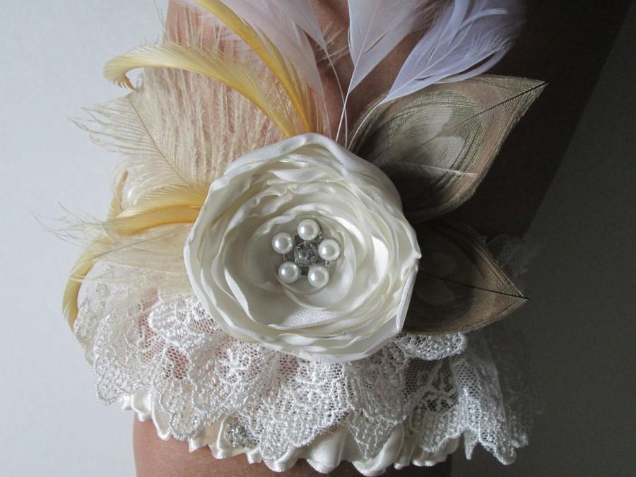 Hochzeit - Rustic Wedding Garter, Peacock Bridal Garters, Ivory Shabby Lace Garter w/ Cream Feathers, Rose, Pearls, Country, Great Gatsby Wedding
