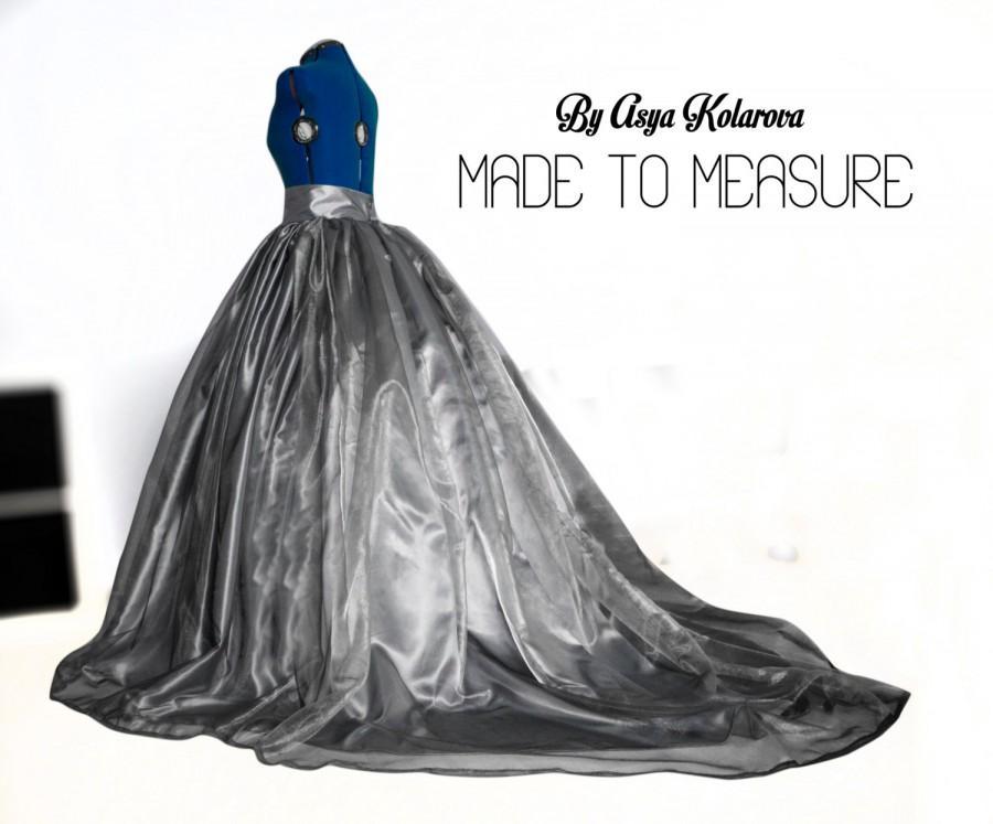 Long train silver organza skirt pearl grey wedding gown for Silver satin wedding dress