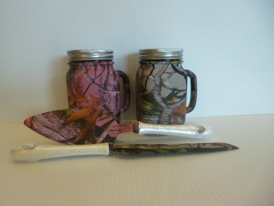 Свадьба - Wedding mason jar mugs and serving set for rustic wedding processed in pink and tan Vista camo.