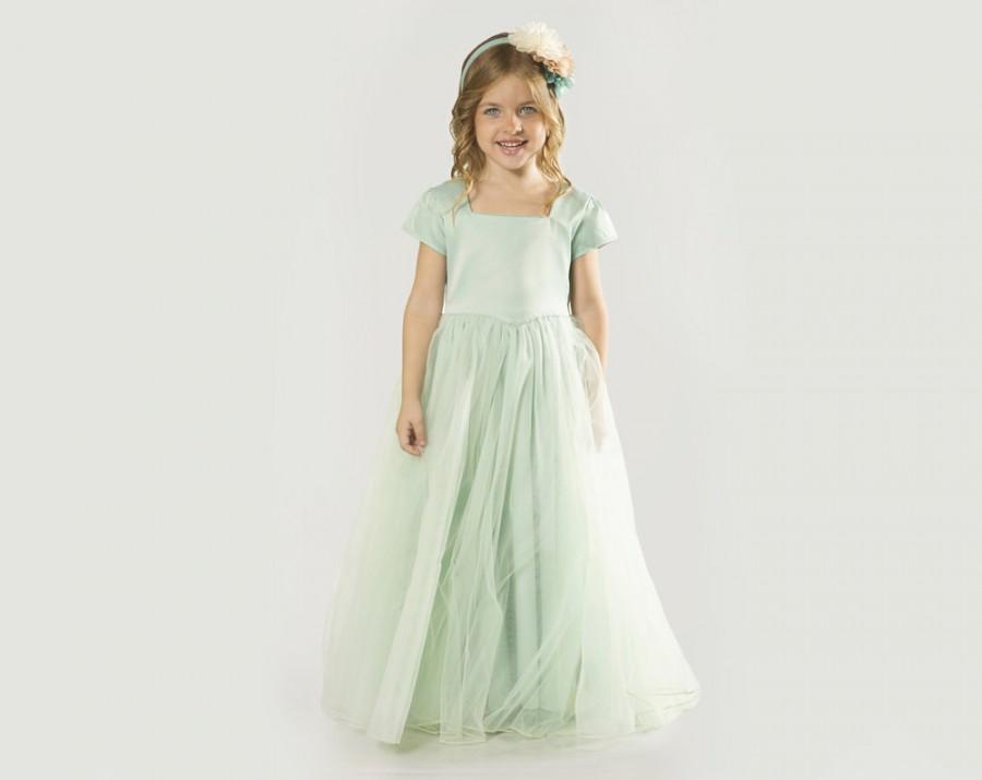 "Düğün - Mint Flower Girl Dress with Tulle Skirt -- The ""Sarah"" in Mint Green"