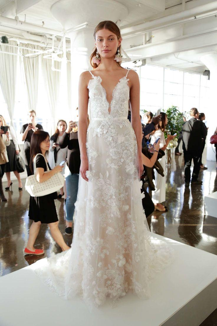 Dress marchesa bridal fall 2017 fashion show 2600837 weddbook marchesa bridal fall 2017 fashion show junglespirit Images