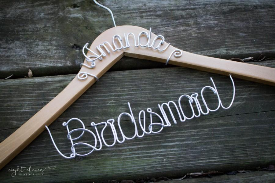 Mariage - BUY 2 - Get 1 FREE-- Bridesmaid Hanger WITH Name