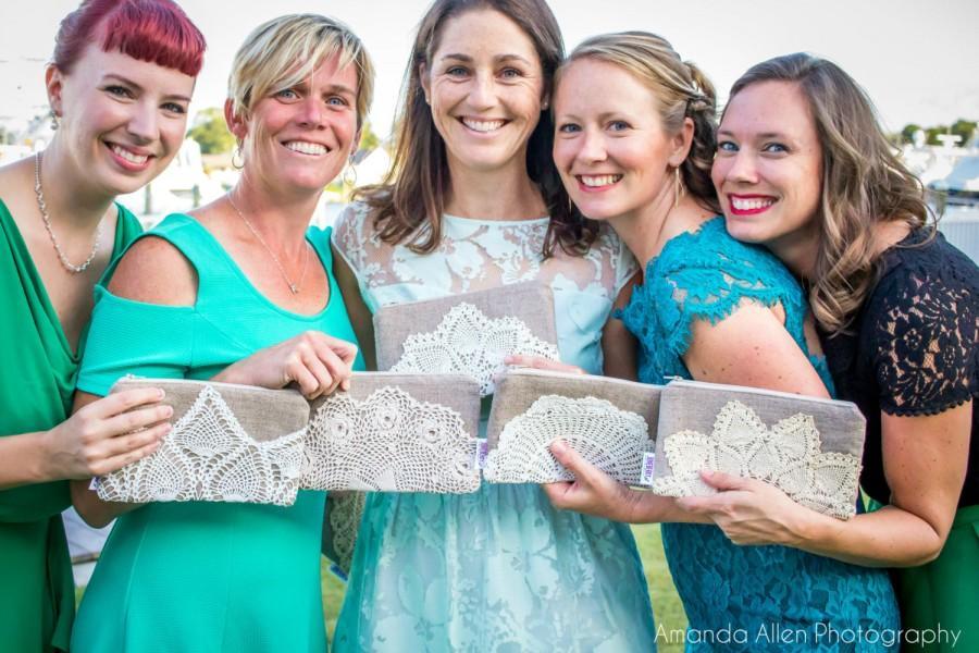 Mariage - Bridesmaid Gift - Set of Linen Burlap Clutch Bags - Bridesmaid Clutch Set