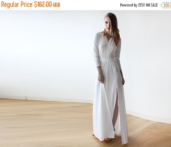 Mariage - Ivory minimalist maxi wedding dress with slit , Ivory weeding gown with long sleeves