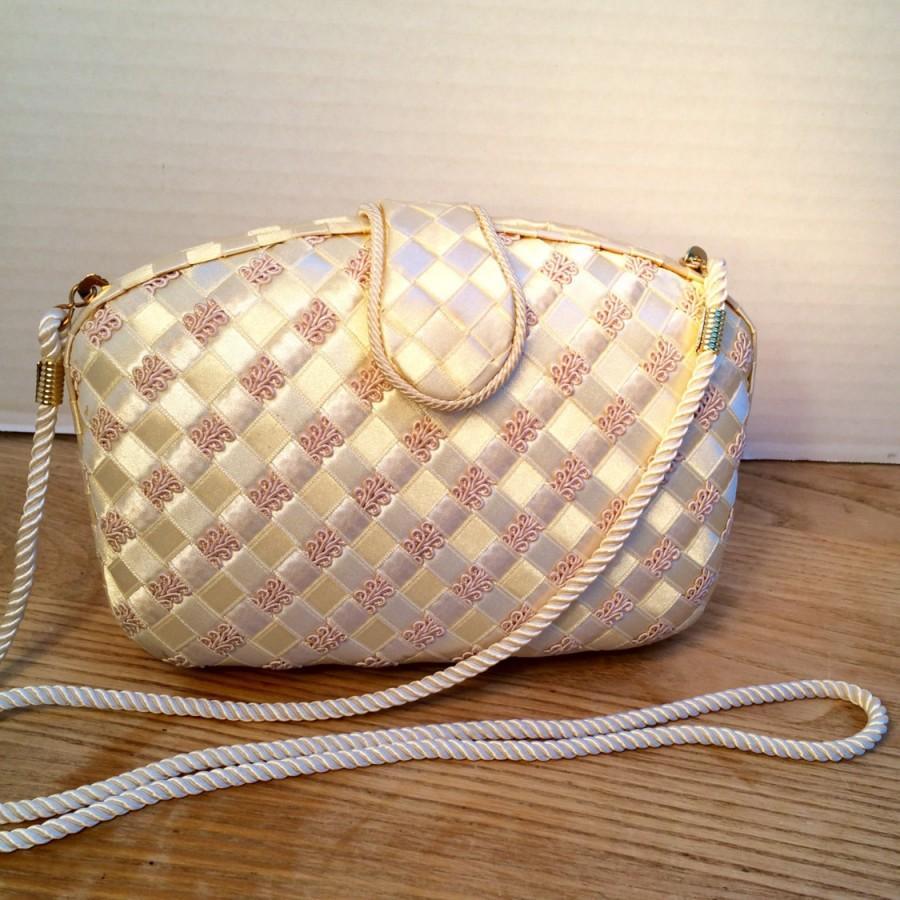 Hochzeit - Whiting & Davis Vintage Purse, Wedding Bag, Bridal Purse, Designer Evening Clutch, International Collection, Style No. 1606
