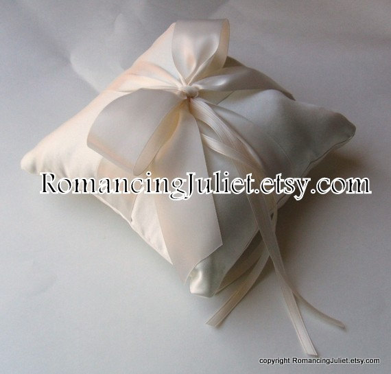 Mariage - Romantic Satin Ring Bearer Pillow...You Choose the Colors...Buy One Get One Half Off...shown in ivory/ivory
