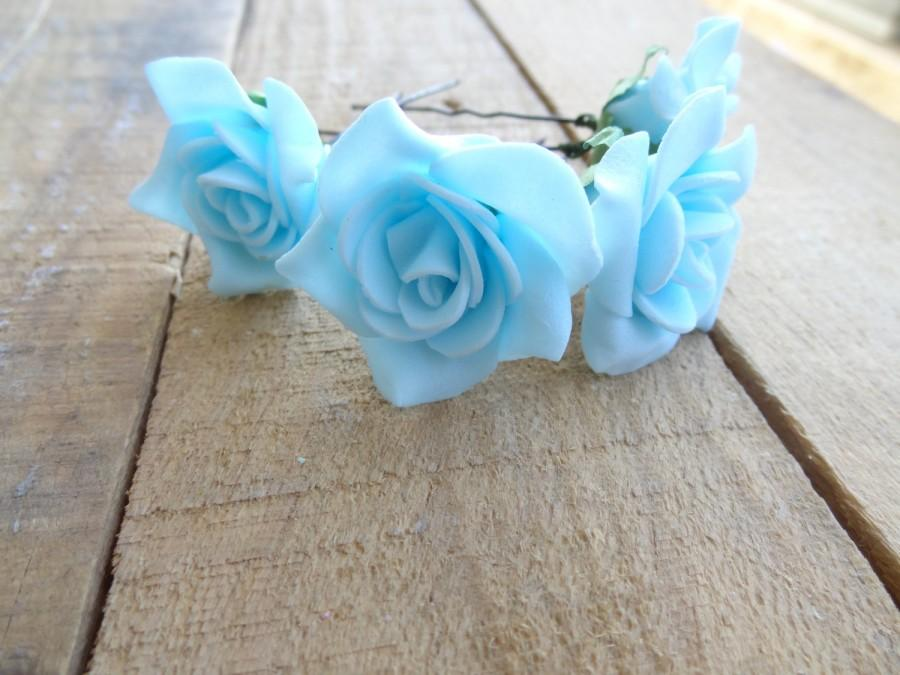 Свадьба - Blue Rose Wedding Hair Pins, Ivory Bridal Hair Pins, Hair Accessories,  Bridesmaid Hair, Woodland - Set of 4