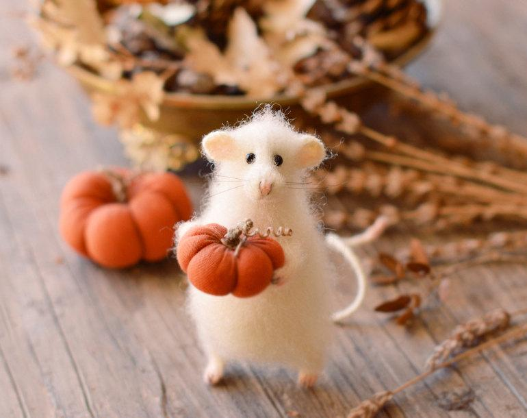 زفاف - Autumn decoration harvest decoration halloween decor pumpkin thanksgiving gift home decoration fall decor doll mouse doll mouse figurine
