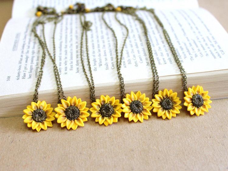 Hochzeit - SET of 6 Sunflower Necklace,Sunflower Jewelry,Gifts,Yellow Sunflower Bridesmaid,Sunflower Flower Necklace,Bridal Flowers,Bridesmaid Necklace