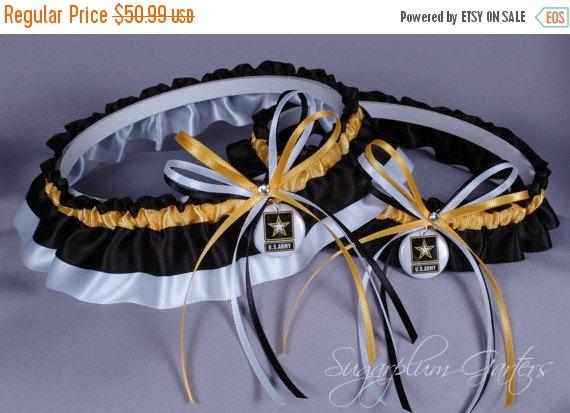 Hochzeit - United States Army Wedding Garter Set
