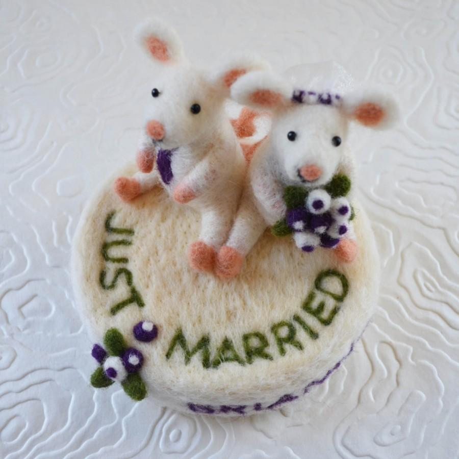 Свадьба - Wedding cake toppers custom made, needle felted animals and birds sculpture