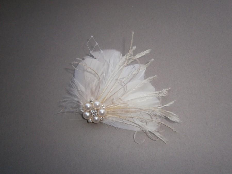 Свадьба - Ivory, feather, white, Weddings, hair, accessory, facinator, Bridal, Fascinators, Bride, veil - WEDDING WHISTLE
