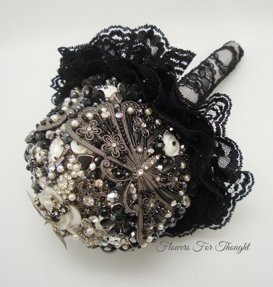 Свадьба - Black Brooch Bouquet, Wedding Keepsake Posy, Onyx, Hematite and Marcasite Bridal Accessory, Original FFT Design