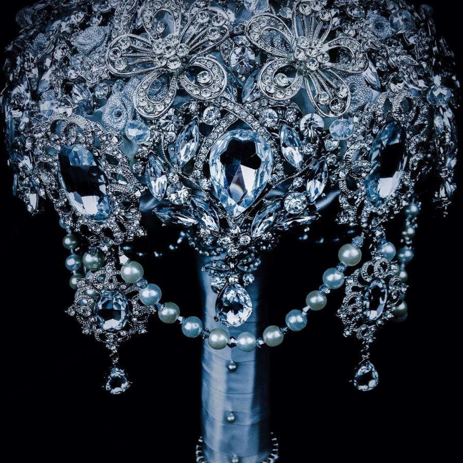 Свадьба - Luxurious Great Gatsby Diamond Silver Crystal Clear Bling  brooch bouquet. Deposit listing