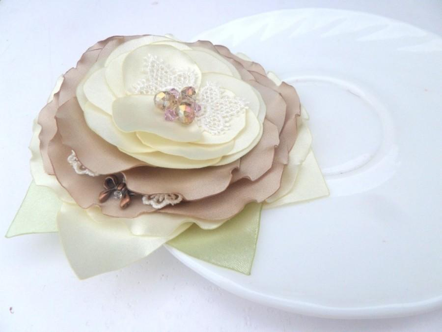 Hochzeit - Jewelry, Accessories , Brooch flower, Wedding ,Cream brooch, White, Ivory, Beige,Romantic brooch, Bride, Wedding Accessories , Flower brooch