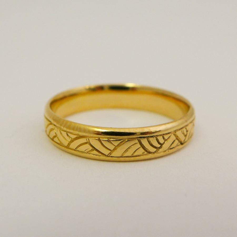 Свадьба - Yellow gold wedding ring, 14 karat solid gold wedding band for men and women, Hand engraved simple wedding ring, Patterned gold wedding band
