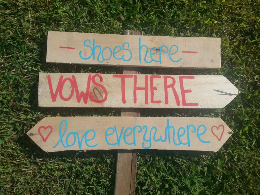 Свадьба - beach wedding directional sign, shoes optional sign wood, nautical wedding, sea side wedding, beach wedding decor