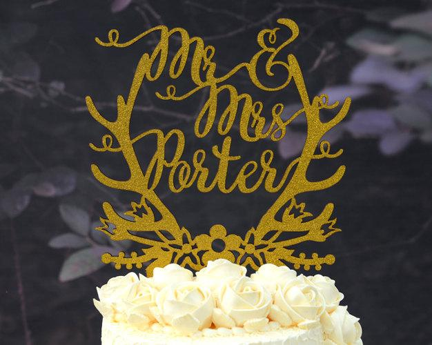Mariage - Personalized Last Name Wedding Cake Topper, Custom Linden Wood Mr and Mrs Cake Topper, Personalized with YOUR Last Name #116