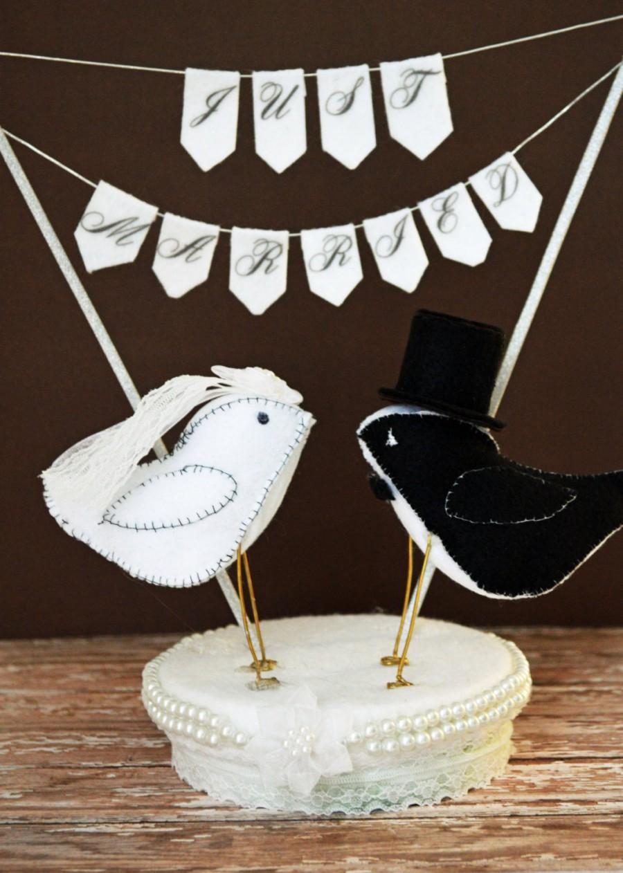 Свадьба - Felt Love Birds Wedding Cake Topper