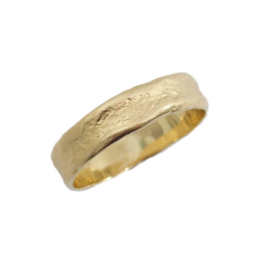 زفاف - Men gold ring. 14k matte gold Hand Molded wedding band. Natural design wedding ring. Unisex wedding band. Yellow gold ring  (gr-9316-1493)