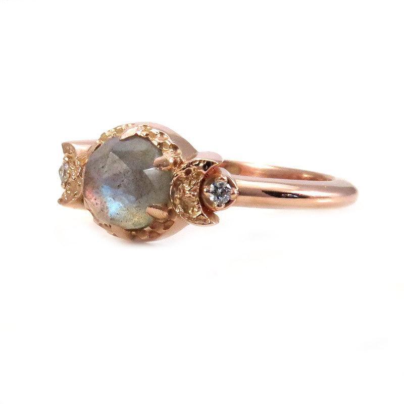 Mariage - Labradorite and Diamond Moon Goddess Engagement Ring - Gothic Victorian Rose Gold Ring