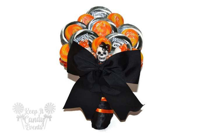 Mariage - Customizable Sugar Skull Lollipop Bridal Bouquet, Sugar Skull Wedding bouquet, day of the dead wedding, Halloween wedding, bouquet ideas