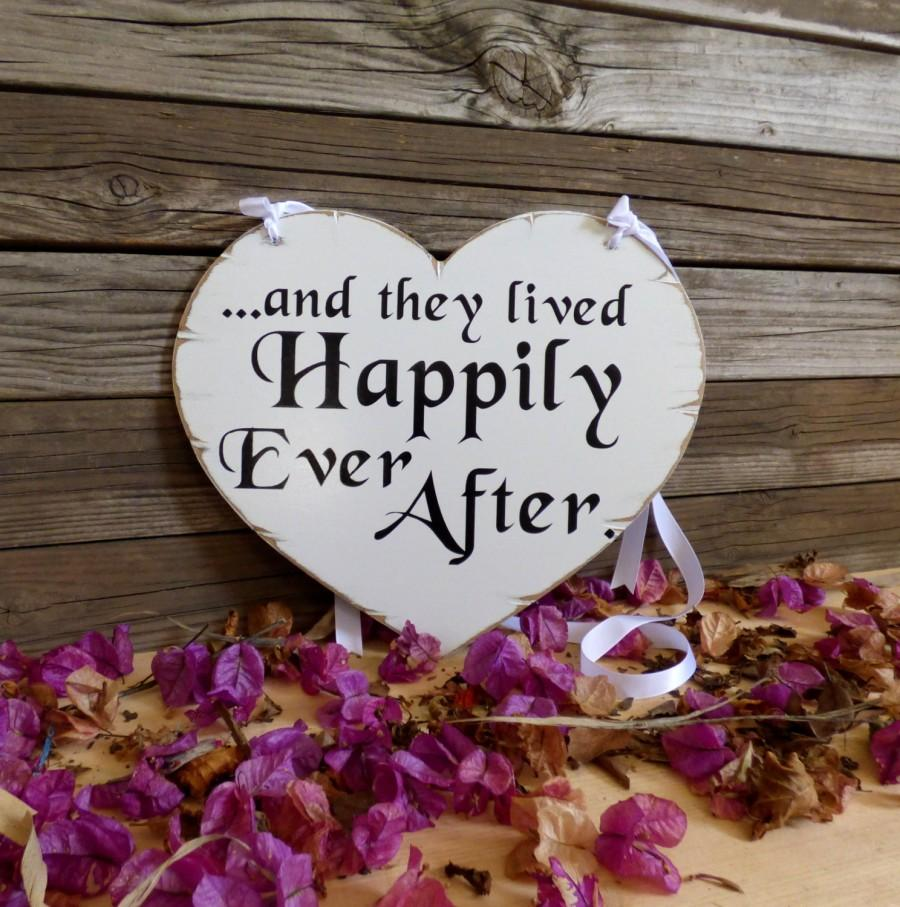 Mariage - and they lived happily ever after sign, and they lived happily sign,distressed wedding sign, heart shaped wedding sign, flower girl sign.