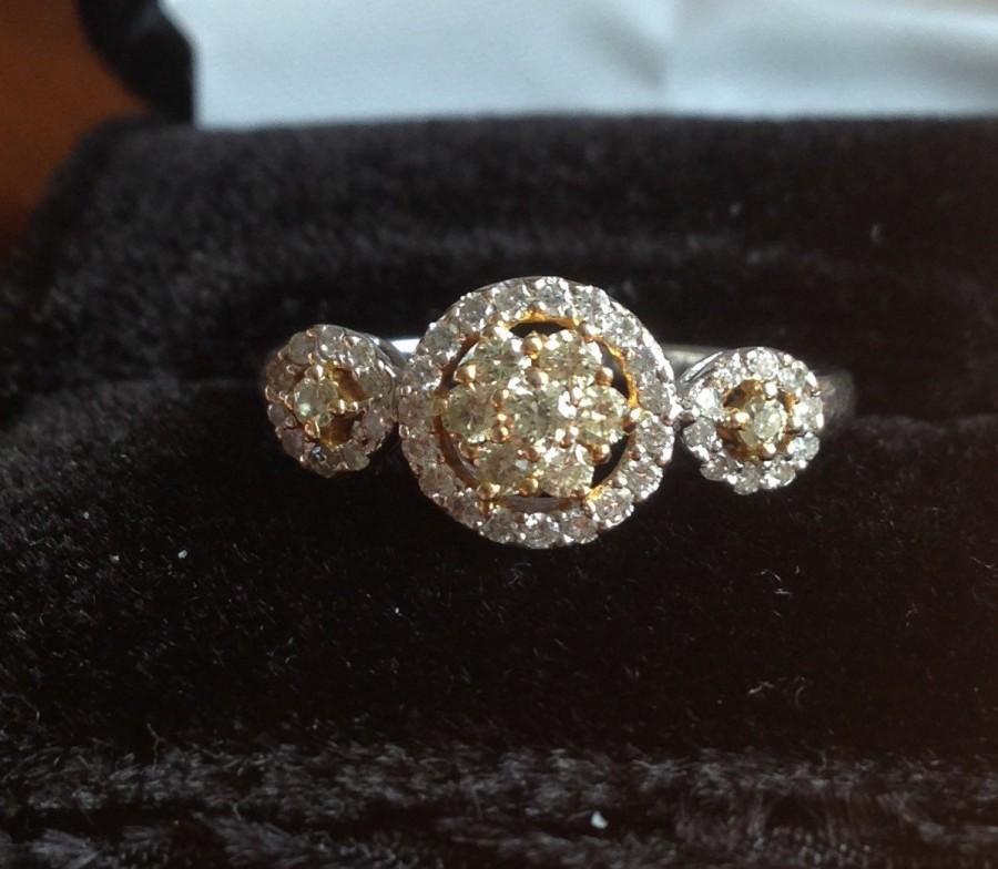 زفاف - Fancy Yellow and White Diamond Halo White Gold Ring