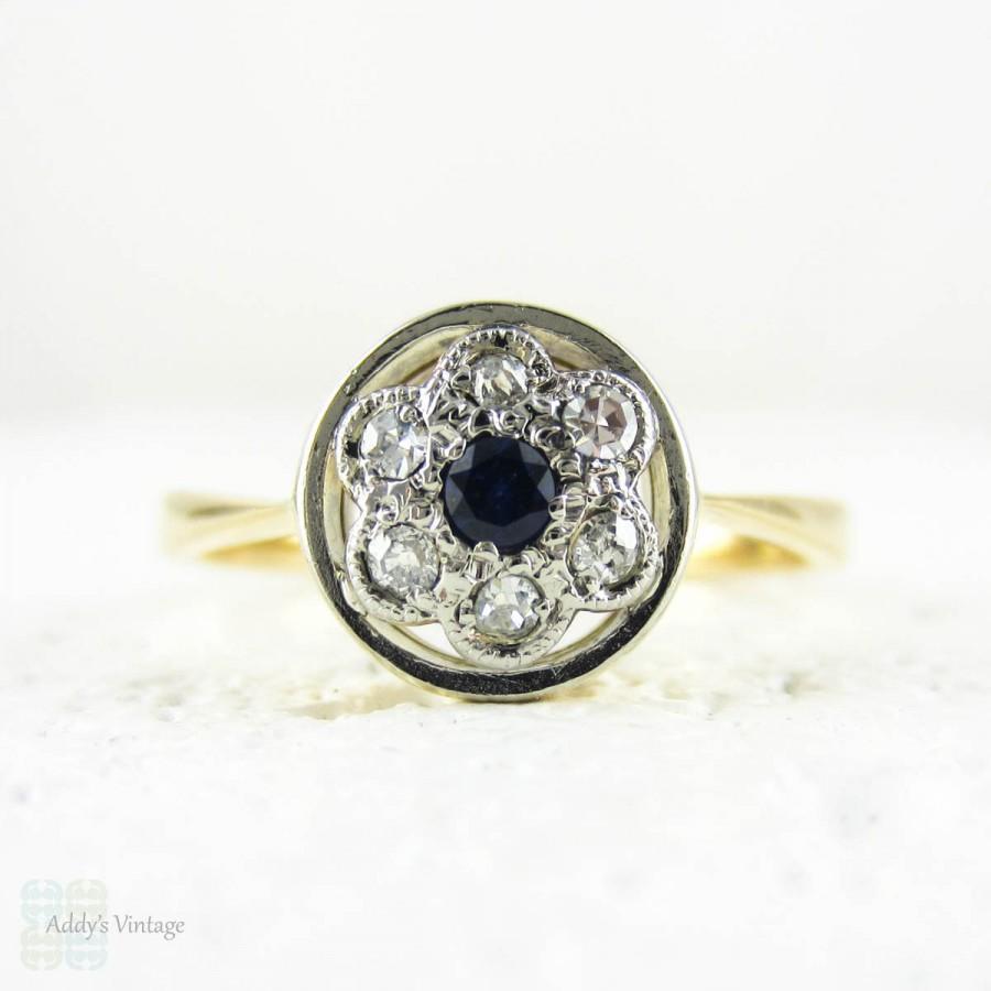 زفاف - Vintage Sapphire & Diamond Daisy Ring, Blue Sapphire with Diamond Halo in Circle Shape Frame. Circa 1930s, 18ct and Platinum.