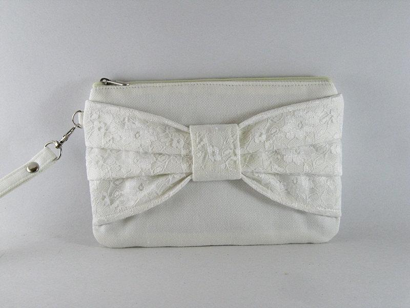Mariage - LOVELY BAG - Ivory Lace Bow Purse - Bridal Purse, Bridesmaid Purse, Wedding Purse, Evening Purse - Made To Order