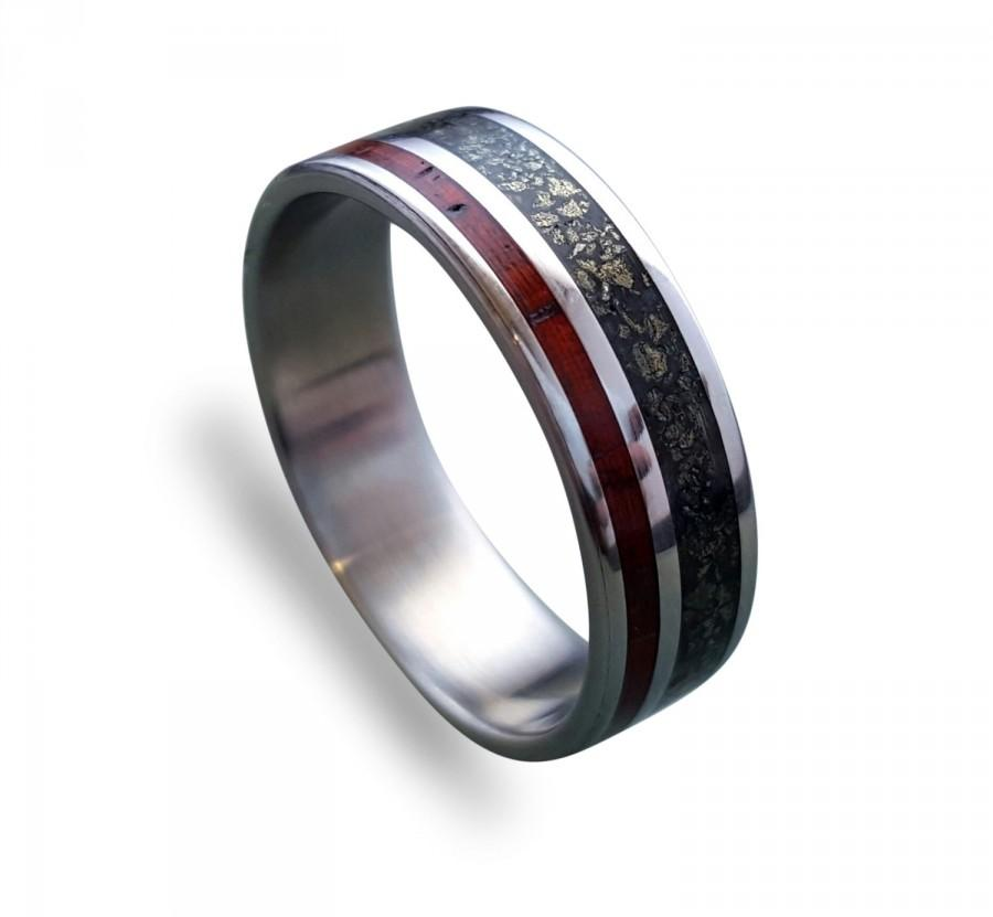 زفاف - Titanium ring with Cocobolo wood and crushed pyrite inlay, Men's Titanium Wedding Band