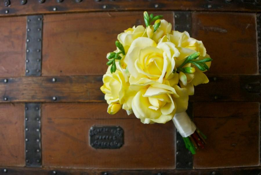 Hochzeit - Yellow Rose Bouquet with Yellow Freesia (Real Touch Flowers, Artificial Bouquet, Light Yellow and Green Bouquet)