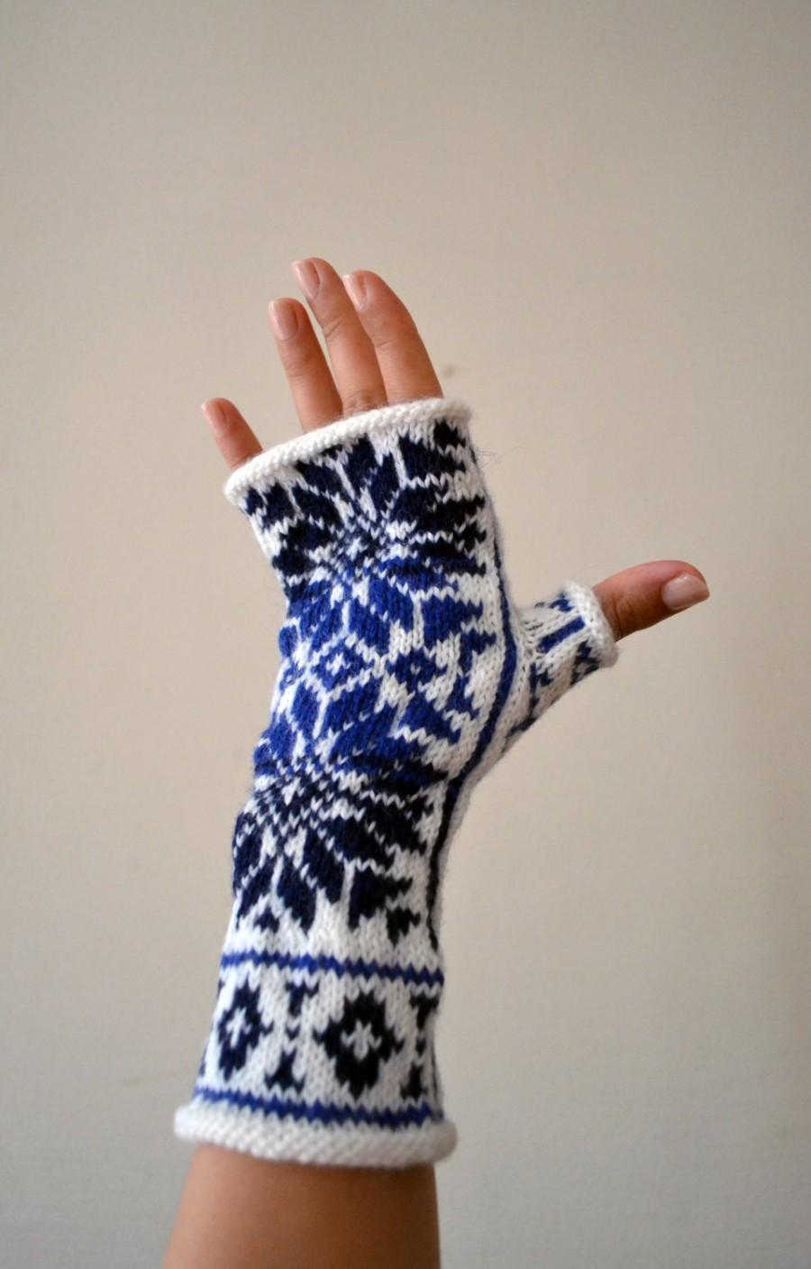 Boda - Nordic Fingerless Gloves - Wool White and Blue Fingerless Gloves - Scandinavian Gloves with Stars - Knit Fingerless Gloves nO 130.