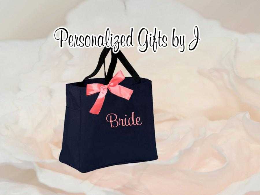 Hochzeit - 8  Bridesmaid Gift- Personalized Bridemaid Tote - Wedding Party Gift - Maid of Honor-Personalized Bridesmaid Gift Tote Bag