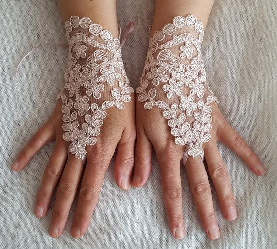 Свадьба - french lace, pink lace wedding gloves, costume gloves,bridal gloves, free shipping!