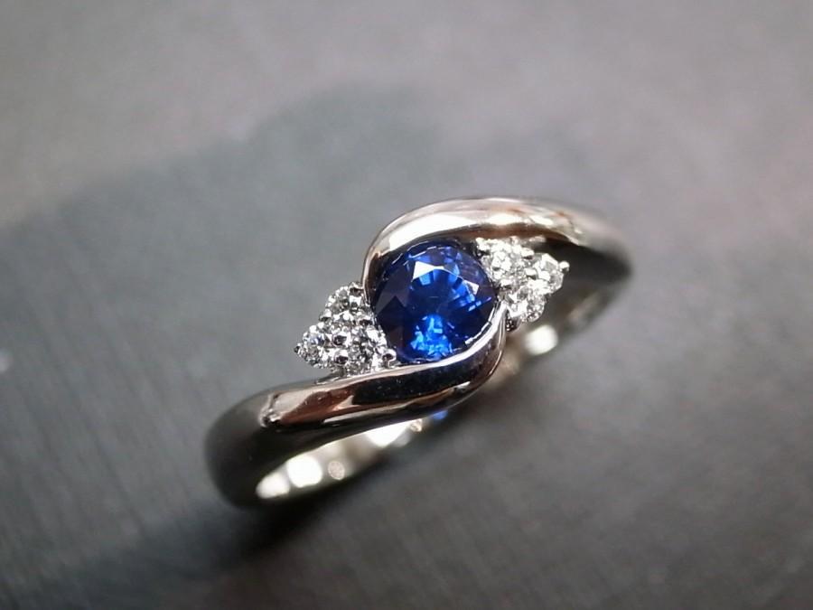 Mariage - Blue Sapphire Ring / Blue sapphire engagement / blue sapphire band / Engagement ring / Wedding ring / Diamond Wedding ring in 14K White Gold
