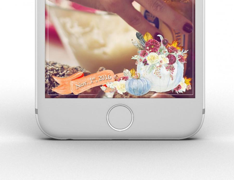 "Mariage - Custom ""Fall in Love"" Wedding Snapchat Geofilter with Wedding Date & Last Name!"