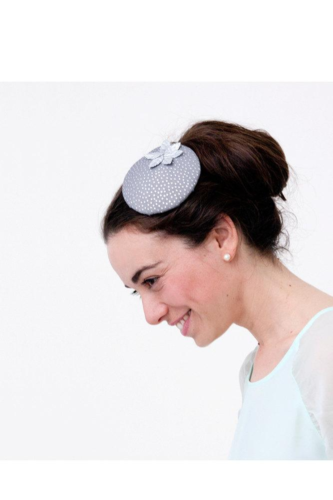 Mariage - Fetlar - Grey Silver Fascinator with detail of dots and leaves