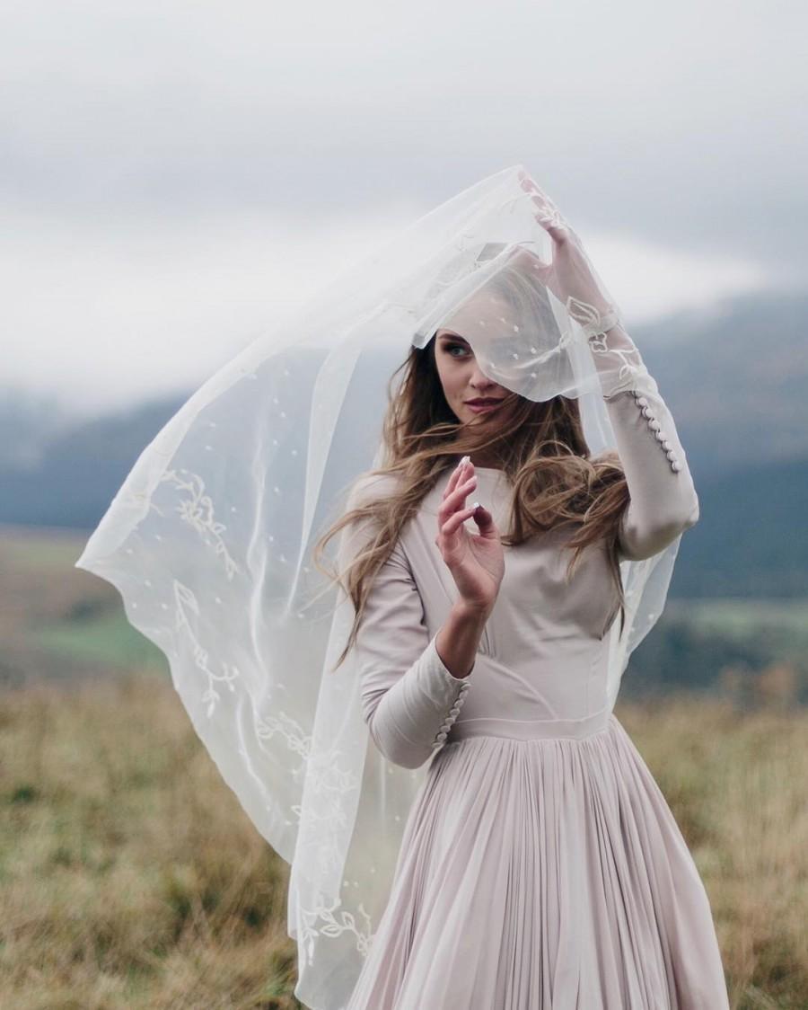 Wedding - Embroidered wedding veil