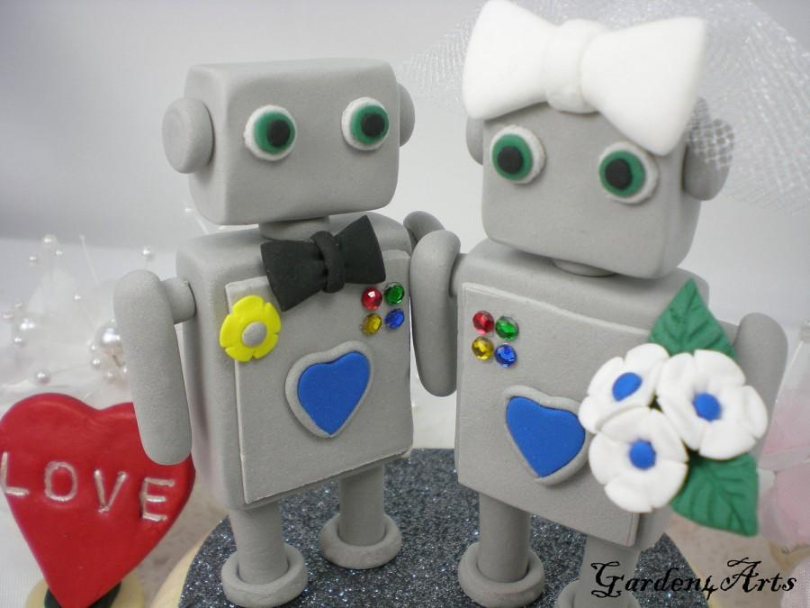 Свадьба - Customise Wedding Cake Topper--Robot Love with Circle Clear Base