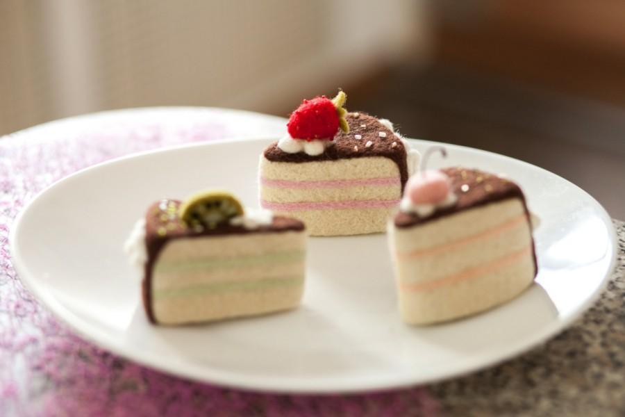زفاف - Cake with cherry, needle felted cake, dessert with cherry, smiling cake, woollen cake