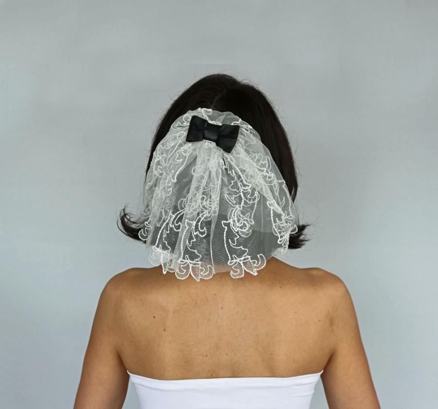 Wedding - Unusual Mini Bridal Tulle Veil Retro Veil Blusher Rocker Veil Alternative Wedding Girl Holly First Communion Veil