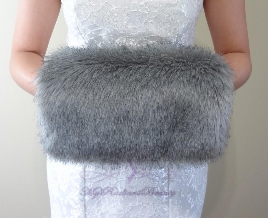Mariage - Faux Fur Hand Muff, Grey Chinchilla Hand Warmer, Faux Fur Shrug Shawl, Faux Fur Stole, Faux Fur Wrap, Bridal Fur Muff HM108-GREYCHIN