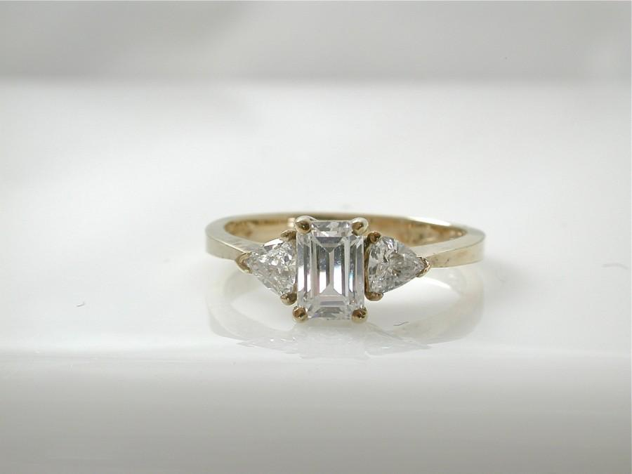 Свадьба - Emerald Cut Cubic Zirconia Ring, Trillion Cut, Yellow Gold plated 925 silver, Diamond Alternative, Conflict free