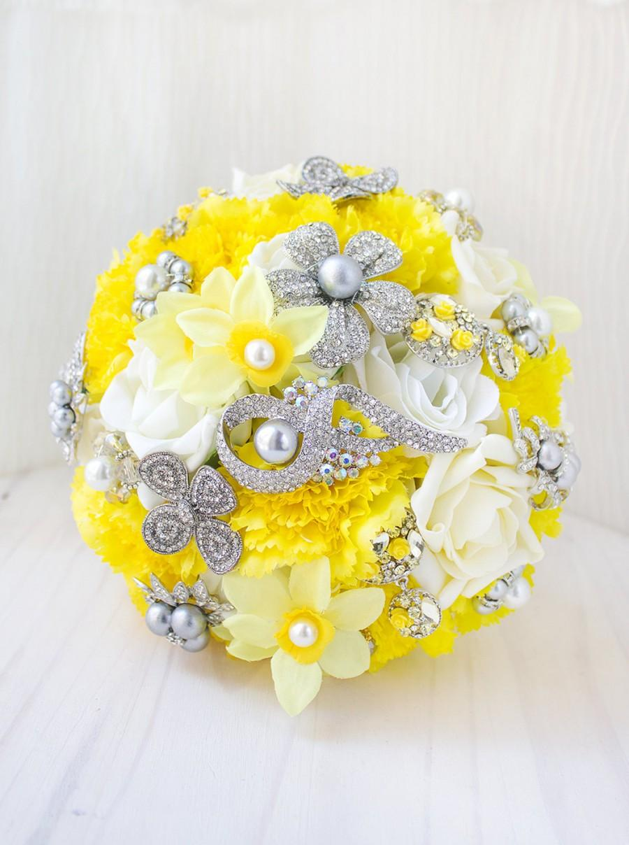 Mariage - Yellow and Grey Wedding, Yellow and Grey Wedding Bouquet, Bridal Brooch Bouquet, Silk Flower Bouquet, Bridal Bouquet, Bridesmaid Brooch BQ40