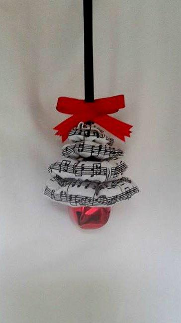 Hochzeit - Music Notes Christmas Tree Ornament - Perfect for any Music Lover