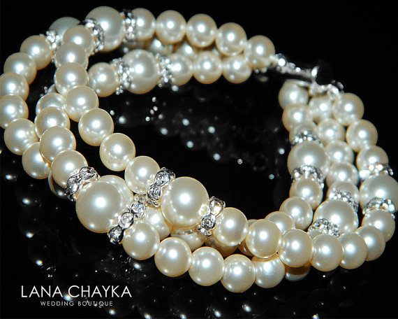 Свадьба - Bridal Pearl Cuff Bracelet Swarovski Ivory Pearl Silver Bracelet Wedding Pearl Bracelet Bridal Pearl Jewelry Ivory Pearl Bracelet Bridesmaid
