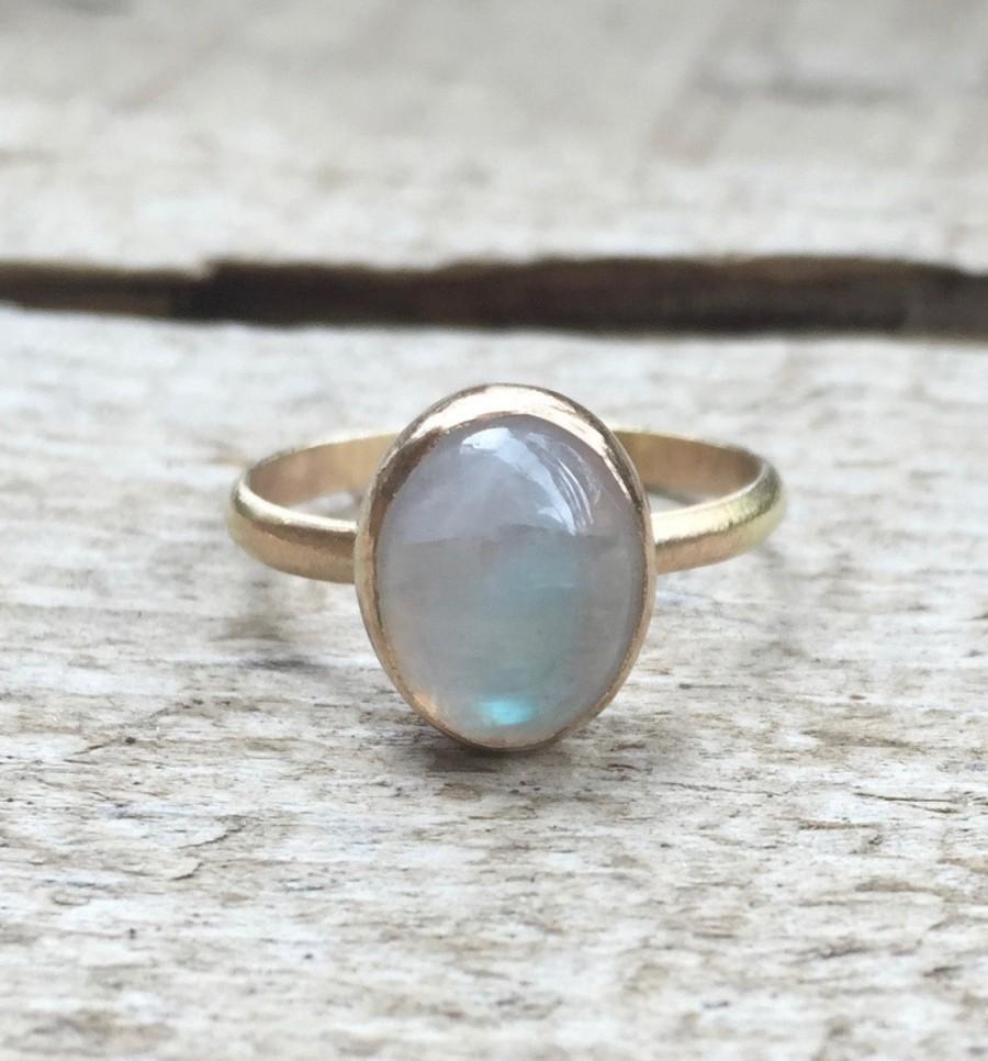 Свадьба - Minimalist Elegant Solitaire Oval Moonstone Birthstone Gold Ring in 14 Karat Gold