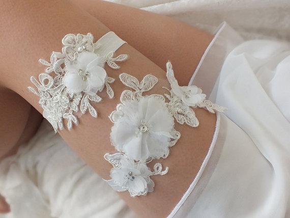 Wedding - free ship ivory lace garter set, bridal garter, floral garter, garter, lace garter, toss garter, wedding garter