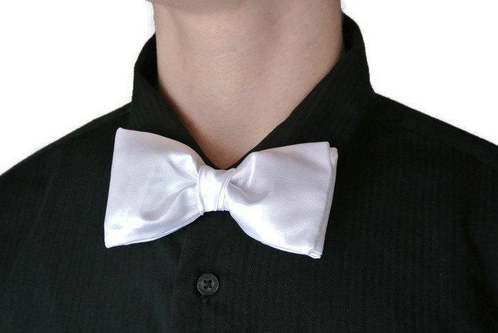 Mariage - White Bow Tie , Satin Taffeta , Wedding Bow Tie , Groom's Bow Tie , White Bow Tie , Pre-tied Clip-on/Adjustable , Prom , First Communion